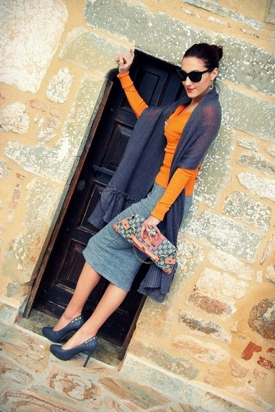 heather gray wool Pandemonium skirt - orange sweater