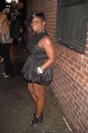 black house of dereon shoes - black Forever 21 skirt - black Forever 21 top - go