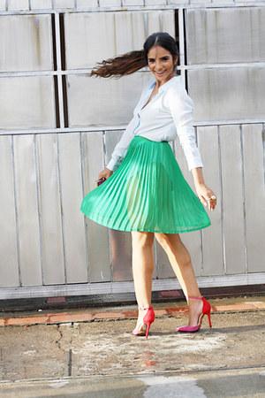 Stradivarius shirt - Mary Paz purse - Dolce & Gabbana sunglasses - Laulet pumps