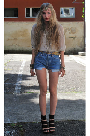 beige blouse - blue shorts