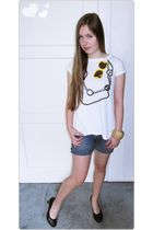 white - t-shirt - blue selfmade shorts - black - shoes - beige Bijou Brigitte br