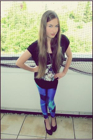 black H&M t-shirt - blue 80s from my mom leggings - black unknown brand shoes -