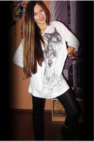 black leather unknown tights - white huskies-print New Yorker shirt