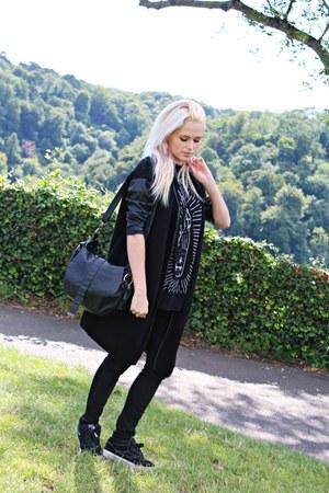 faux leather Bershka bag - cotton Fornarina jeans - asos shirt
