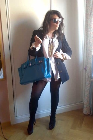 birkin - blazer - blouse - shoes - Ray Ban sunglasses