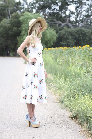 Anthropologie hat - Tbags Los Angeles dress - Kendra Scott bracelet