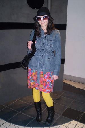 red skirt - gold Sirens leggings - black boots - blue Gap jacket - black le chat