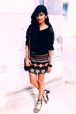 black aztec Zara skirt - black gladiators H&M shoes - black top