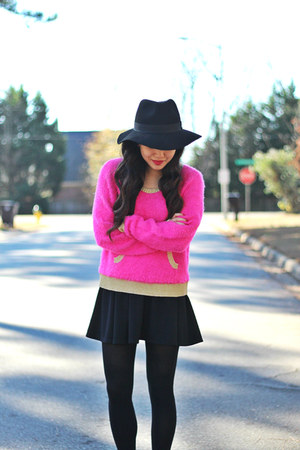 black Forever 21 hat - bubble gum fuzzy Juicy Couture sweater