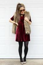 maroon velvet Impressions Boutique dress - black Kushyfoot tights