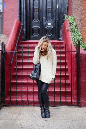 beige Urban Outfitters sweater - DSW shoes - black Vigoss jeans