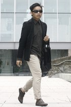 beige cream Latitude pants - black blazer Marks & Spencer blazer