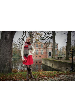 red heirloom earrings - Human Nature boots - ruby red lace secondhand H&M dress