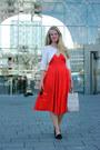 Red-fifties-thrifted-vintage-dress-silver-wereldwinkel-bag