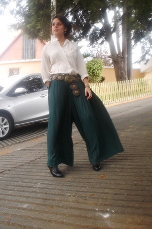 black boots - green pants - beige blouse - brown belt