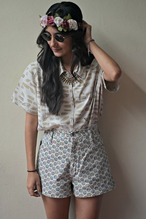 eggshell flowery thrifted vintage shorts - bubble gum Camazots accessories