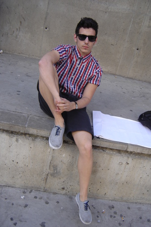 Tommy Hilfiger shirt - Springfield sunglasses - pull&bear shoes - Massimo Dutti