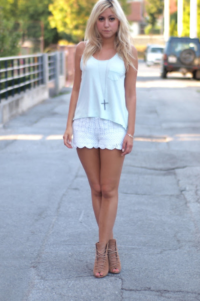 White Lace Shorts - How to Wear and Where to Buy | Chictopia
