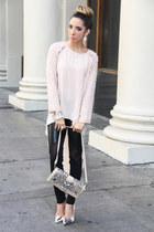 light pink HAUTE & REBELLIOUS top - black HAUTE & REBELLIOUS leggings