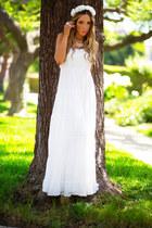 white HAUTE & REBELLIOUS dress - eggshell HAUTE & REBELLIOUS hair accessory