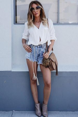 white HAUTE & REBELLIOUS top - booties Zara boots - taupe HAUTE & REBELLIOUS bag