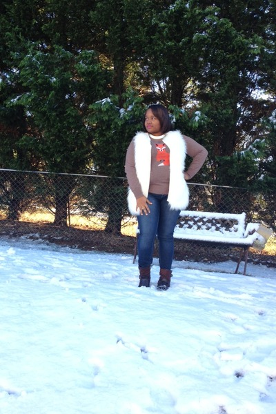 light brown fox Old Navy sweater - dark brown JustFab boots