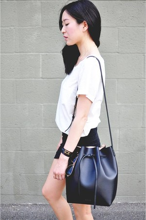 Mansur Gavriel bag - H&M shirt - aviator Ray Ban sunglasses - Zara sandals