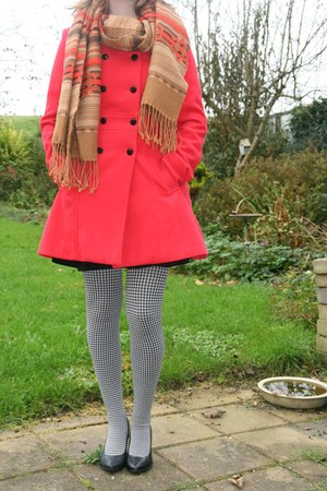 white Market leggings - red with bow V & D coat