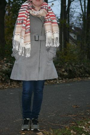 pink blazer H & M blazer - grey trenchcoat New Yorker coat - H & M jeans