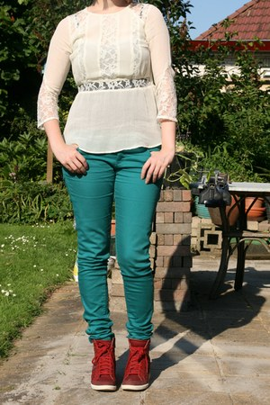 black H & M top - green C & A pants - off white H & M blouse - red Esprit wedges