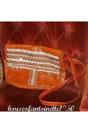 brown leather HouseofAntoinette1950 bag