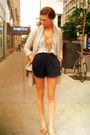 Beige-chunky-urban-outfitters-sweater-tawny-tribal-thrifted-bag-navy-tap-for