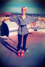 Black-thrifted-blouse-blue-forever21-jeans-red-seychelles-shoes-blue-thrif