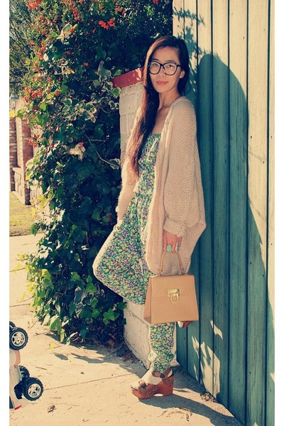 Jeffrey Campbell shoes - H&M sweater - thrifted vintage bag - Zara jumper
