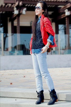 red Gap scarf - H&M boots - Levis jeans - Urban Outfitters sweater