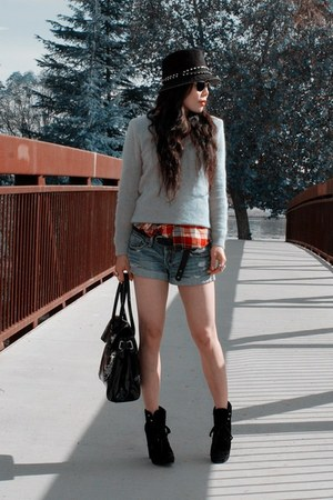 H&M sweater - a&f shorts - Mulberry for Target bag - Dolce Vita boots - BDG shir