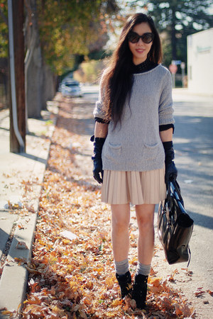 Zara skirt - 31 Phillip Lim sweater - Prada sunglasses - Lanvin for H&amp;M gloves
