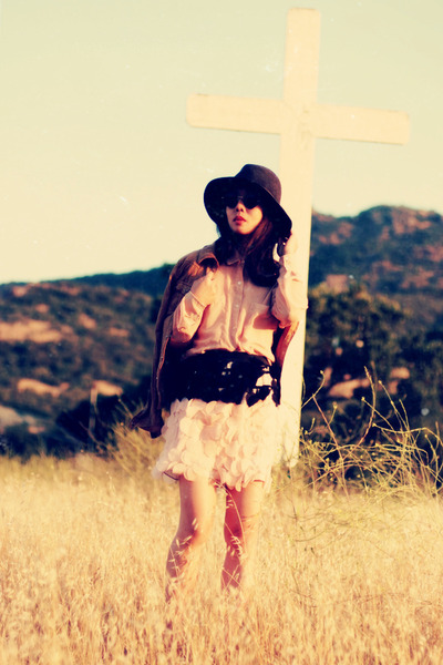 no brand skirt - Rag and Bone hat - asos sunglasses - American Apparel blouse