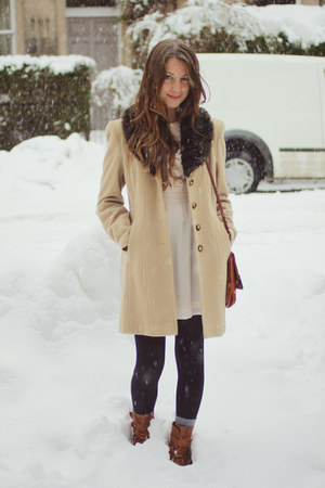 camel vintage coat - brown vintage boots - ivory H&amp;M dress