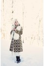 Black-target-boots-eggshell-vintage-coat