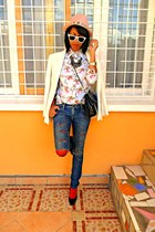 periwinkle floral shirt - light pink hat - white Printemps jacket - red tights