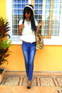 Blue-skinny-jeans-mustard-leopard-print-bag-silver-cap-toe-heels