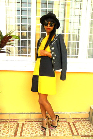 studded jacket - gold dress - black H&amp;M hat - black sandals