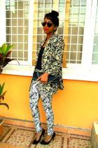 black vintage blazer - black purse - H&M Round sunglasses
