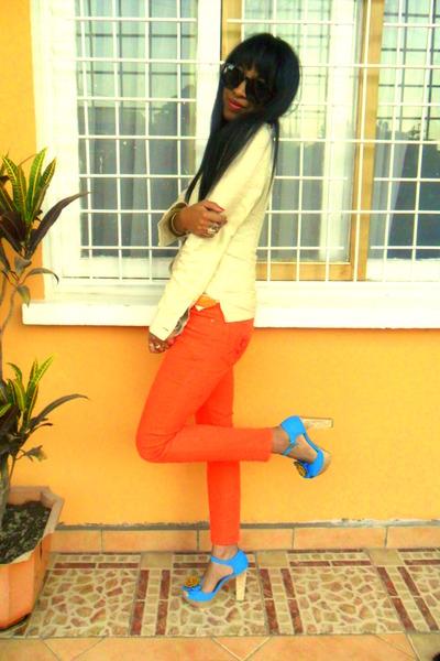 carrot orange Skinny jeans - turquoise blue sandals