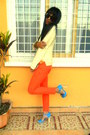 Turquoise-blue-sandals-carrot-orange-skinny-jeans