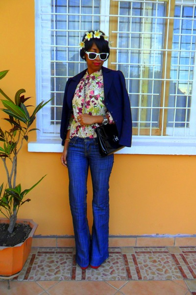 blue flare Cindy H jeans - Go Jane Lita like shoes - magenta floral shirt