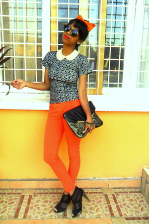 carrot orange Skinny jeans - black shoes - black new look purse - H&amp;M sunglasses
