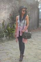 maroon Fergie heels - blue Miss Sixty jeans - black Panizza Kanguroo hat
