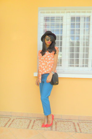 carrot orange blouse - black H&M hat - black Stradivarius bag